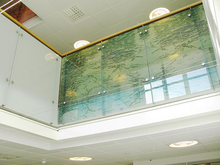 Vattenspegel 2. Glasräcke i 3 delar, 140x365cm