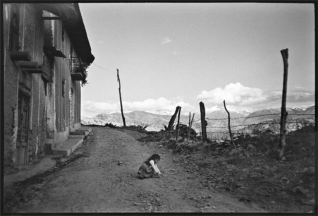 The girl and the road, Peru 1982